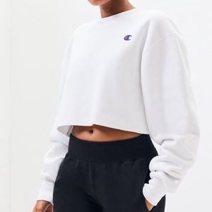 White cropped champion sweatshirt